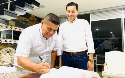 Alejandro Ortiz tomó posesión como gerente del Imdri