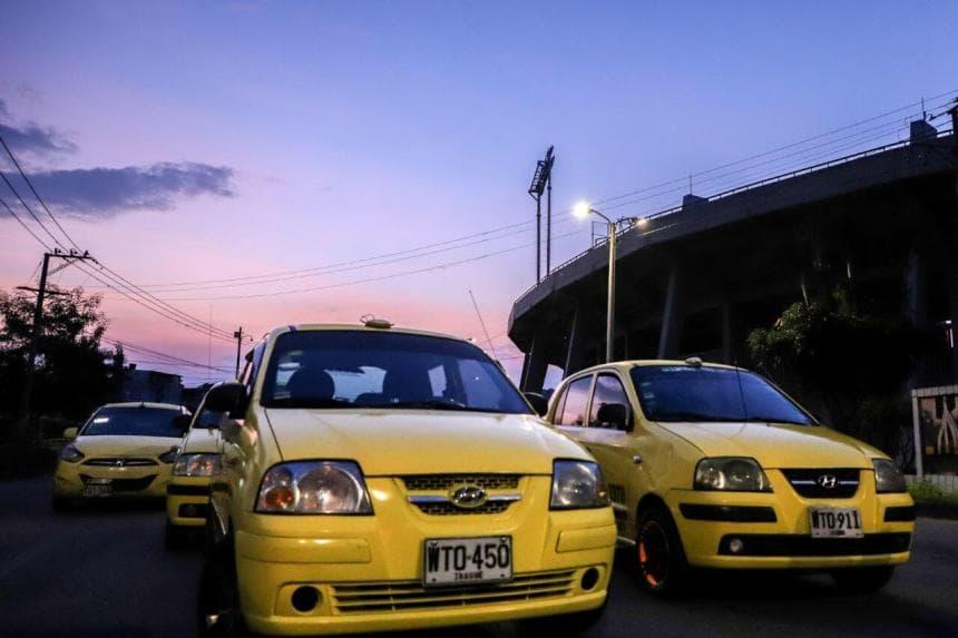 Taxis continuarán operando con el 70 % de su capacidad en Ibagué