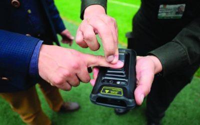 Dispositivos móviles con biometría permiten monitorear espacios y edificios para prevención del Covid-19