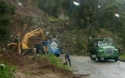 Paso restringido en la vía Rioblanco-Chaparral por derrumbe