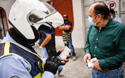 Carrera Sexta, la más congestionada de Ibagué, vehículos estacionados pagarán desde $440.000 en multas