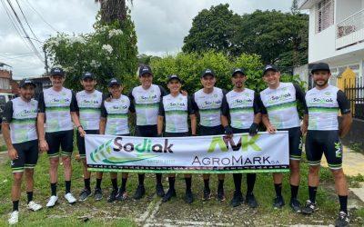 """Equipo Sodiak AgroMark El Leñero, listo para correr """"La Vuelta al Tolima Máster 2021"""" que inicia este viernes"""